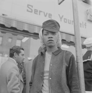 Shipyard Worker, MacDonald Avenue, Richmond, c. 1943
