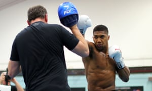 Anthony Joshua works out with Rob McCracken at the Institute of Sport in October 2017.
