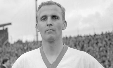 Alex Young, Everton, Hearts and Scotland great, dies aged 80