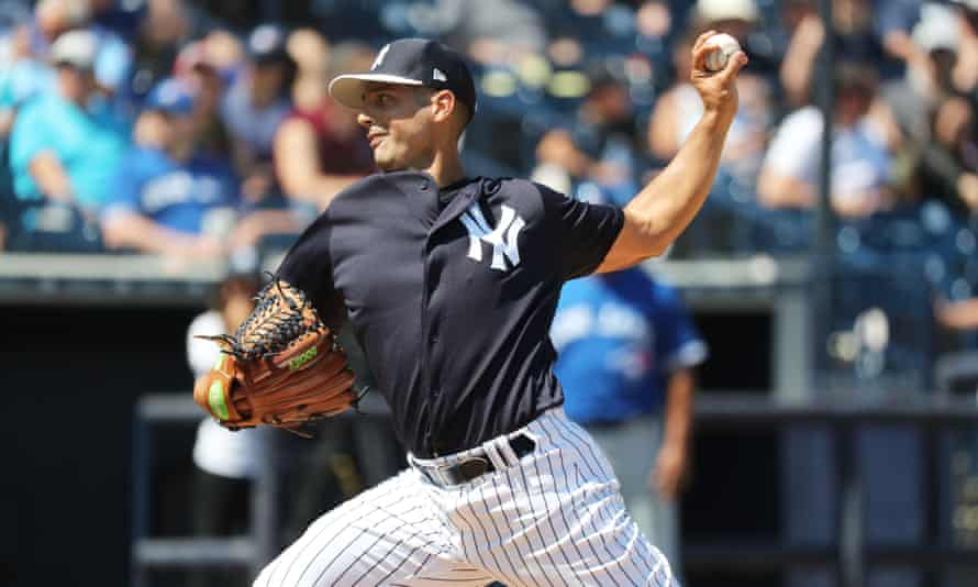 Gio Gonzalez has had a solid career but could only get a minor league deal with the Yankees