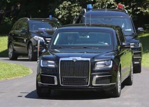 Putin's limousine arrives