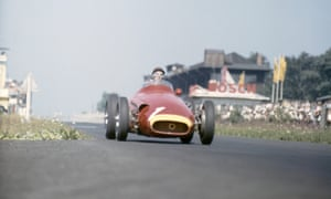 Juan Manuel Fangio braking into the South curve during the early part of the race.