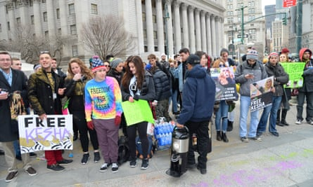 Fans await the arrival of Kesha at the New York state supreme court