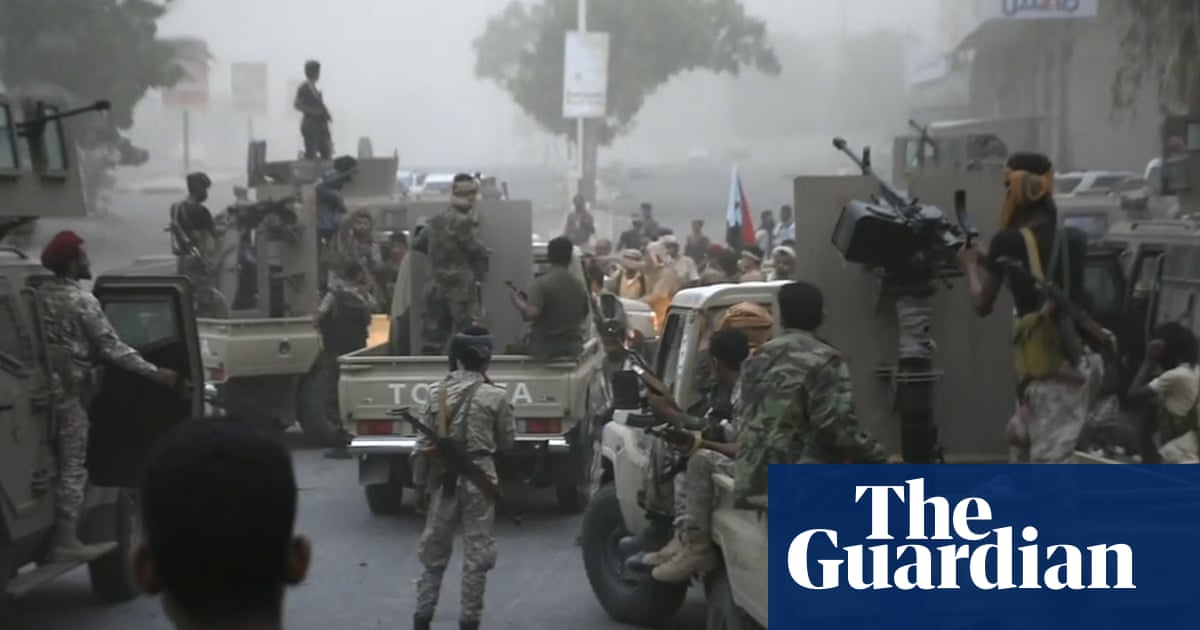 'Scores' killed in Yemen as UAE-backed fighters seize parts of Aden