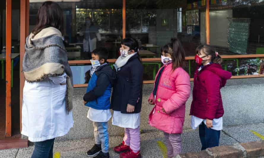 Children returned to school in Montevideo from Monday 15 June, their first day back since the start of lockdown.