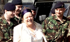 Mo Mowlam with soldiers from the Royal Irish guards in Belfast, 1998.