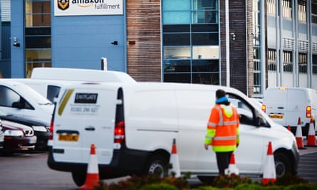 Black Friday: early morning on November 24 at Dunstable Amazon Fulfillment Centre