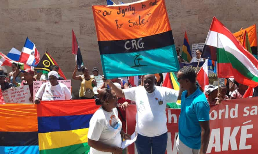 Chagos Island residents protesting in 2019