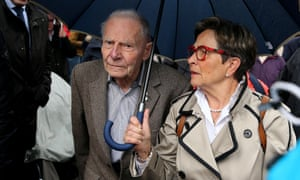 The parents of French quadriplegic Pierre and Viviane Lambert have fought to keep their son alive, despite opposition from his wife and most of his siblings in a case that has divided France.