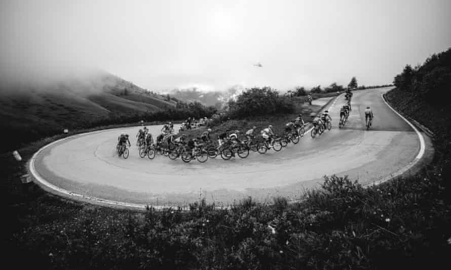 Riders tackling the Passo Pordoi under cloud cover during the 2016 Maratona dles Dolomites.