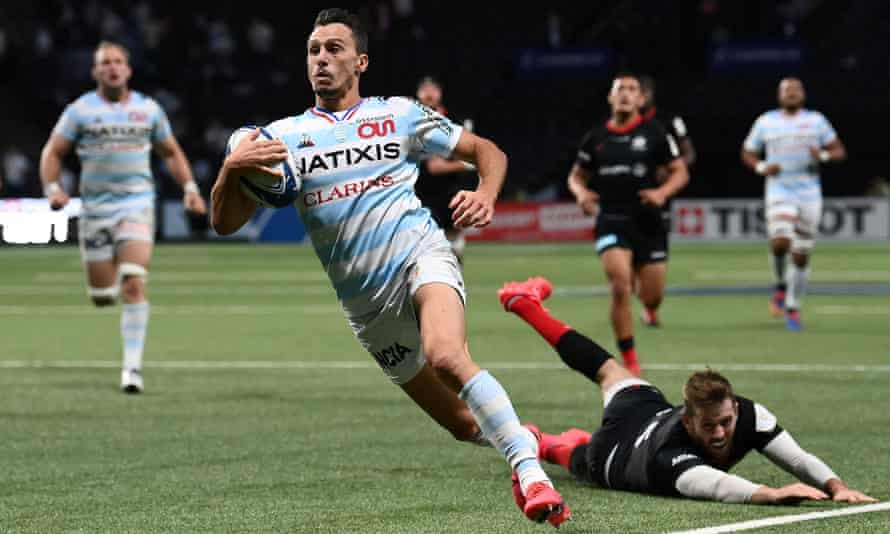 Juan Imhoff runs through the Saracens defence to score his late try for Racing 92