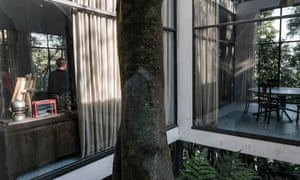 Lina Bo Bardi's Glass House