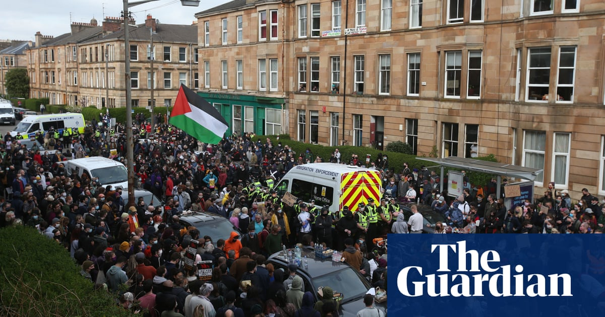 Glasgow protesters rejoice as men freed after immigration van standoff