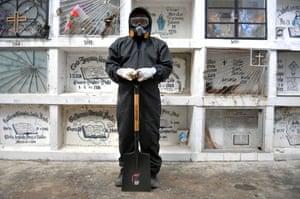 Guayaquil, Ecuador: Alexis Pereira, cemetery worker.