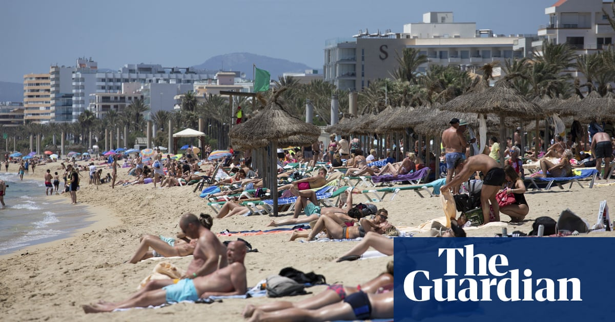 Balearic officials urge Madrid to tighten Covid controls on UK tourists