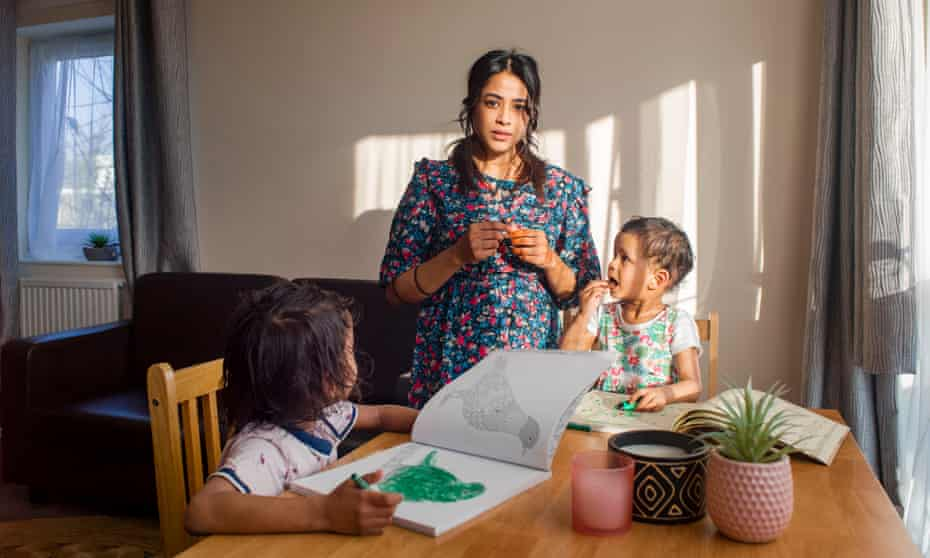 Single parent Jana with children Izaan and Yaana
