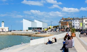 The promenade and Turner Contemporary art gallery in Margate