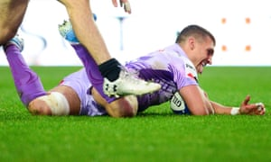 Henry Slade crosses the line to score a try in Exeter's home victory against Glasgow.