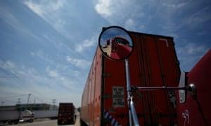 truck hauling migrants