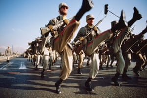 Goose-stepping Iranian soldiers
