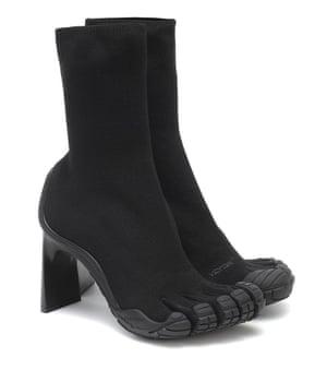 The return of split-toe footwear leaves fashion world cloven