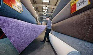worker at carpetright
