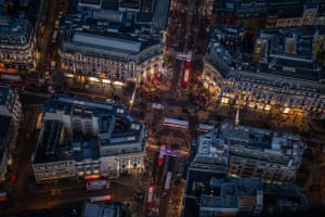 Shoppers and commuters at Oxford Circus
