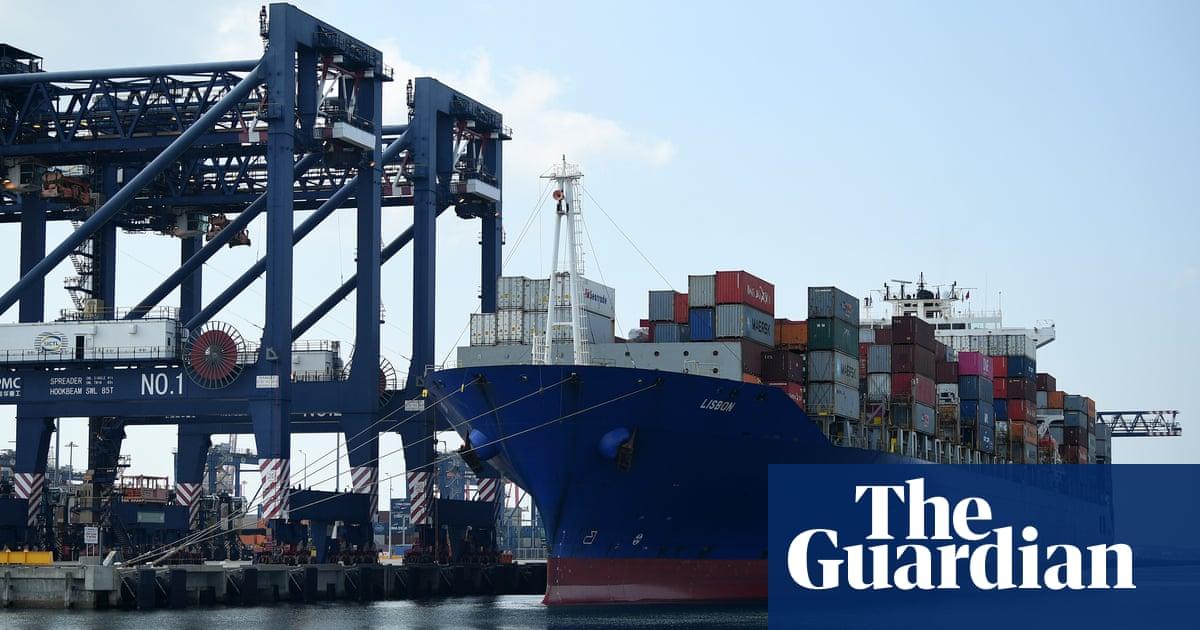 Patrick Terminals tries to shut down wharf strikes as PM lashes maritime union thumbnail