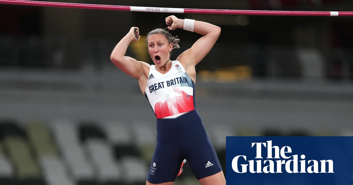 Holly Bradshaw takes unexpected Olympic pole vault bronze for Team GB