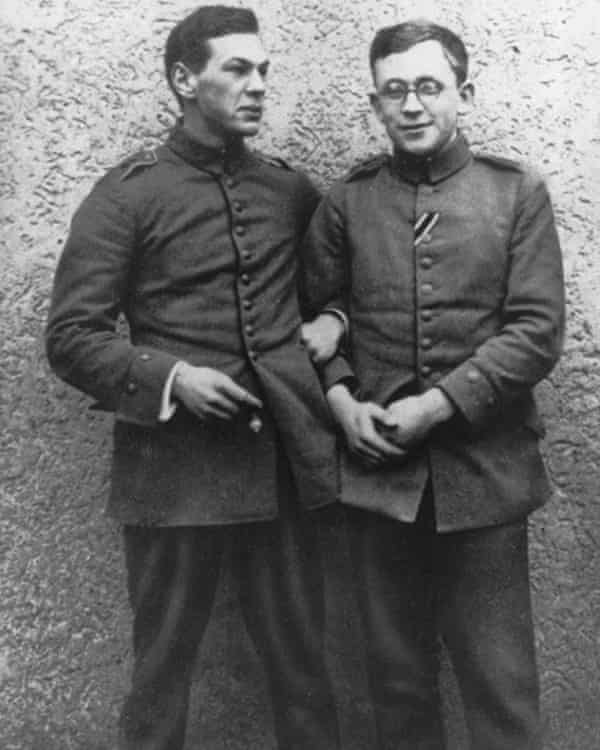 Sorge, left, and colleague as a sergeant of the Reichswehr in 1915.