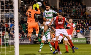 Roberto Lopes in action for Shamrock Rovers against St Patrick's Athletic in September.