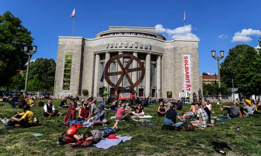 Anti-lockdown protesters at theRosa-Luxemburg-Platz in Berlin, Germany