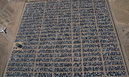 Reacquired Volkswagen and Audi diesel cars sit in a desert graveyard near Victorville, California, US.