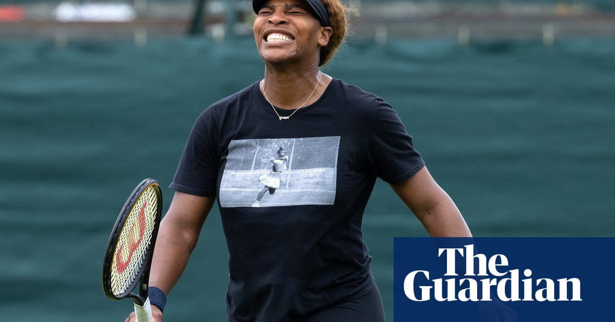 Serena Williams adapts to age and is still a threat on Wimbledon's grass