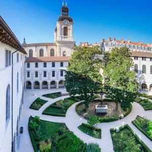 The Cité's great cloister, Cité Internationale de la Gastronomie, Lyon, France.