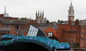 Spencer Tunick's Sea of Hull project takes over Scale Lane Bridge.