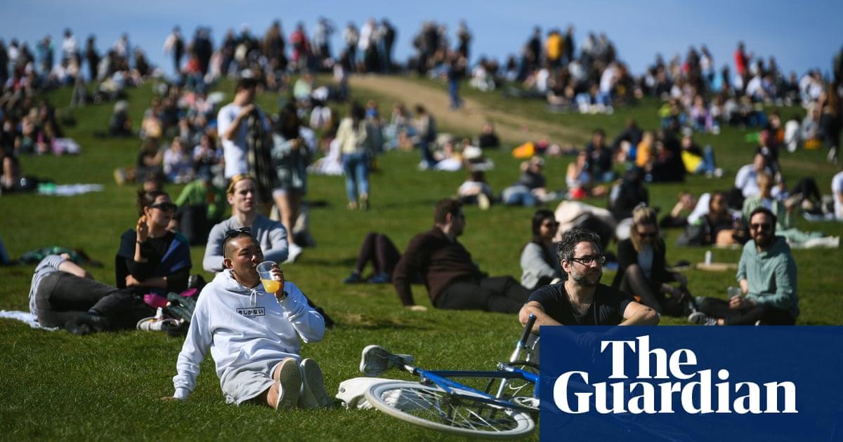 Temperatures to plummet across UK as Arctic winds bring end warm weather