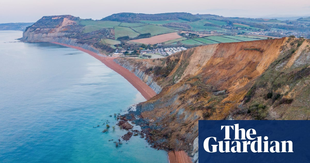 Jurassic Coast cliff collapses in biggest UK rockfall for 60 years