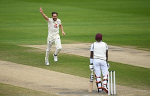 Woakes celebrates taking Brooks for 22.