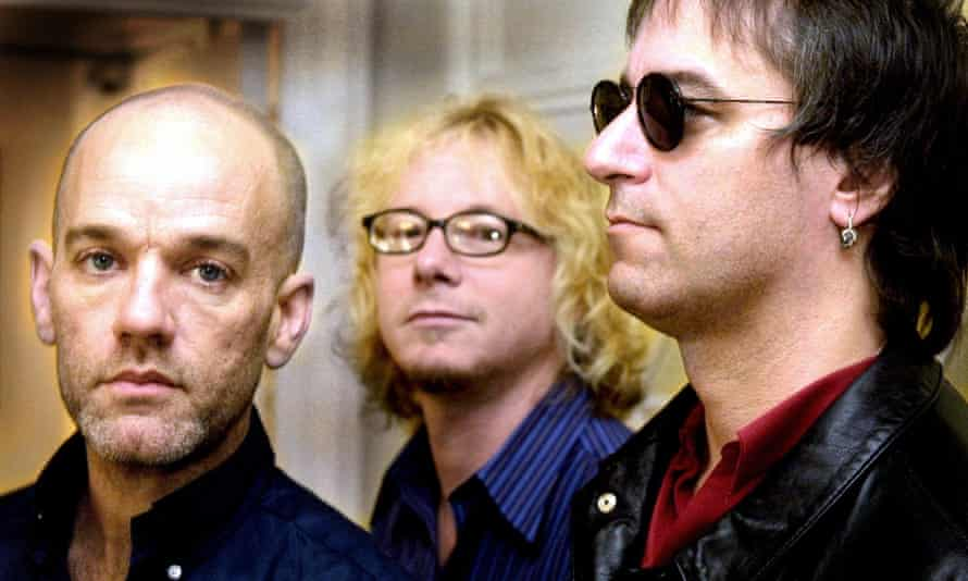 REM … in 2001, with Peter Buck on the right.