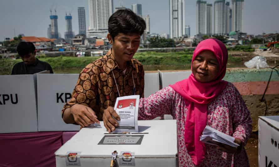Indonesia's General Election Commission says an investigation has begun to find the source of the leak of 2.3 million voters' personal information.