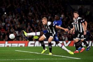 Kurt Zouma scores Chelsea's fourth.