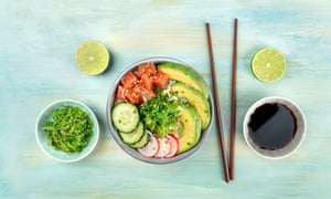 Traditional Hawaiian tuna poke salad with wakame.
