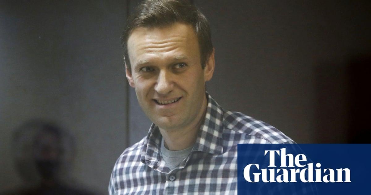 Alexei Navalny 'seriously ill' on prison sick ward, says lawyer