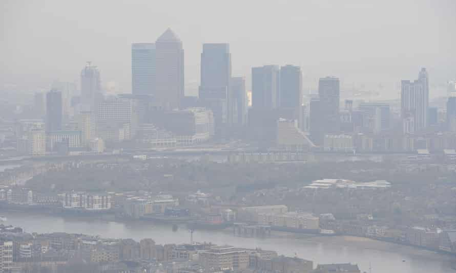 Smoggy skies over London