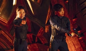 Michelle Yeoh and Sonequa Martin-Green in Star Trek: Discovery.