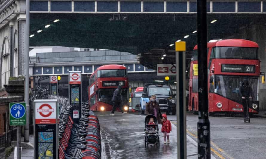 Buses near Waterloo station