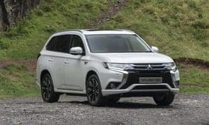 Mitsubishi Outlander PHEV: car review   Martin Love   Technology