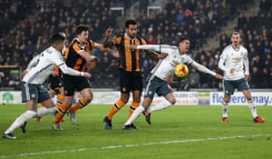 Chris Smalling goes down in the box after a push from Tom Huddlestone.