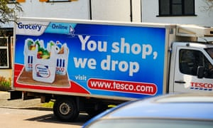 Spelling it out … a Tesco truck did drop a steel cage on a car.